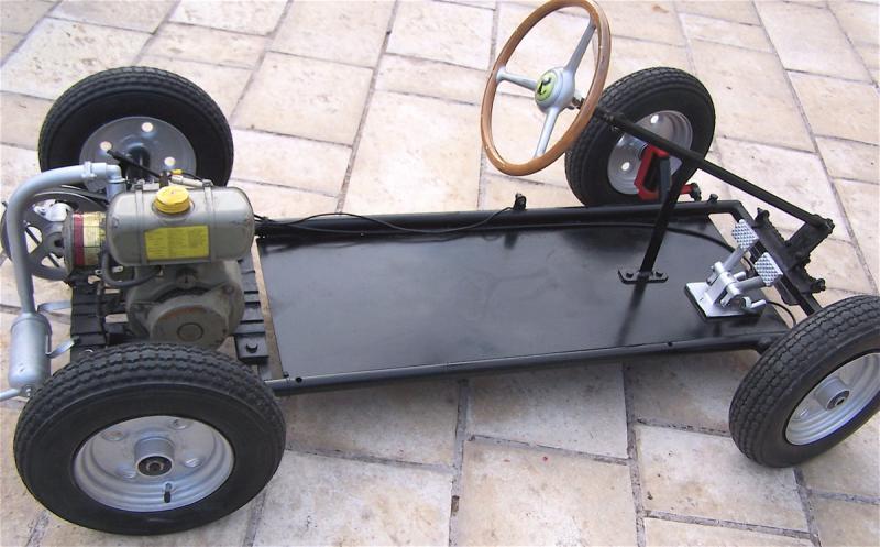 voiture moteur pour enfant auto moto. Black Bedroom Furniture Sets. Home Design Ideas