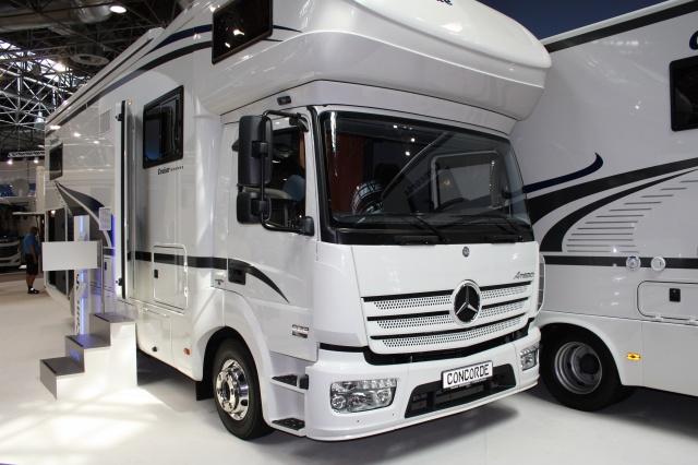 camping car mercedes auto moto. Black Bedroom Furniture Sets. Home Design Ideas